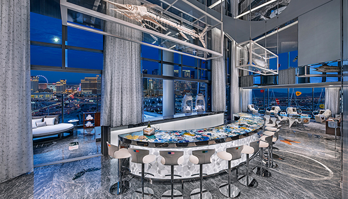 Artistieke bar met fantastisch uitzicht