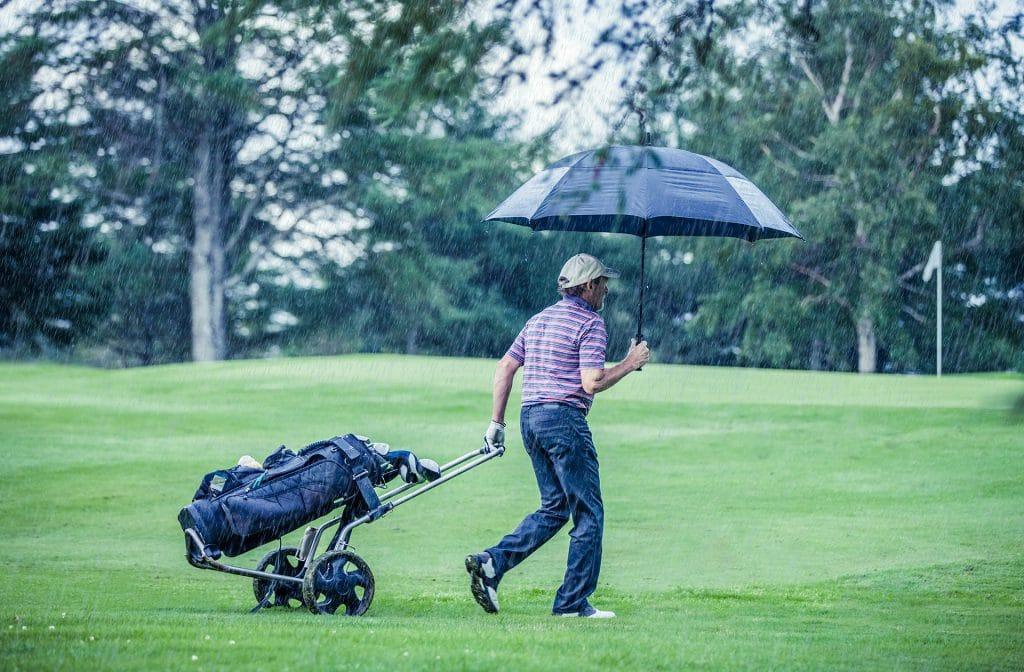 Het weer speelt een rol bij golf