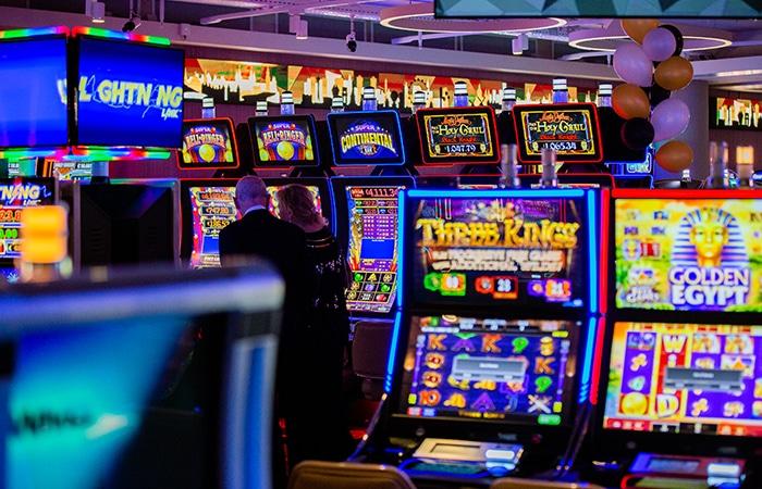 Holland Casino staat vol met gokkasten