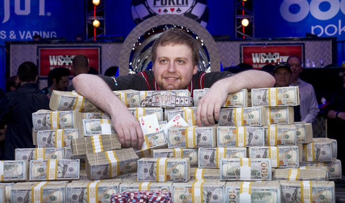Poker spelen om hoge bedragen
