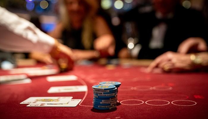 In het begin gaat alles snel aan tafel, zeker bij Holland Casino (bron HC Michel Schnater)