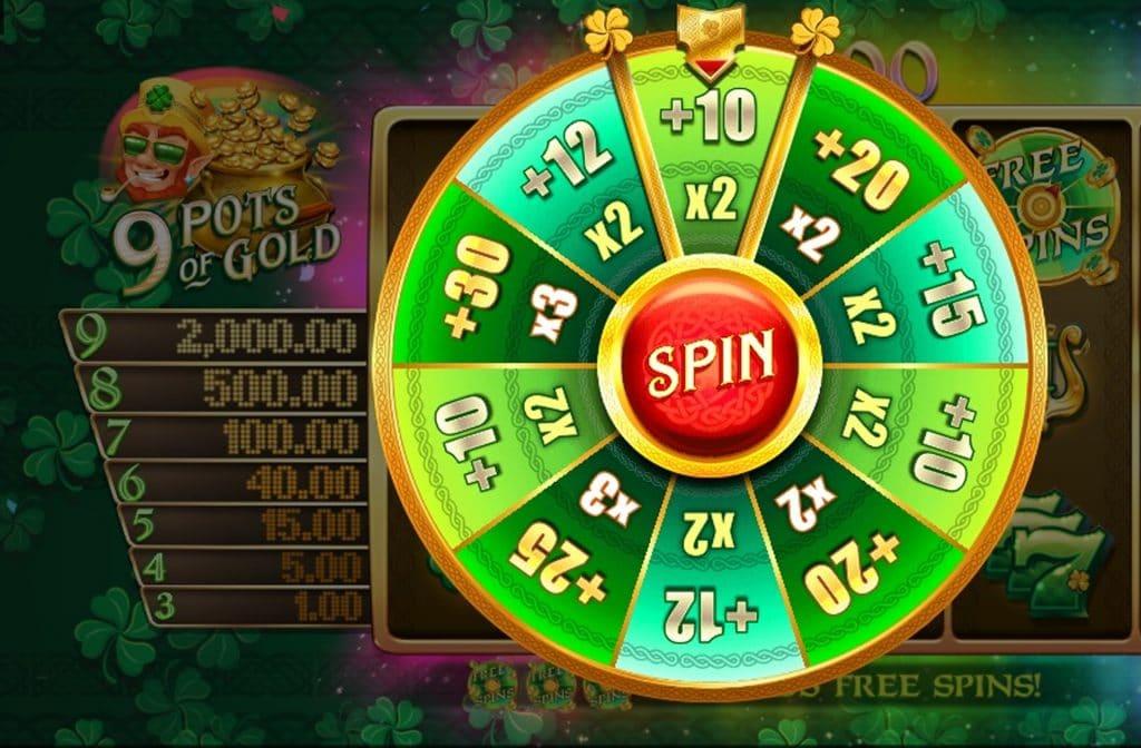 Het Free Spins symbool herken je aan het groene rad van fortuin