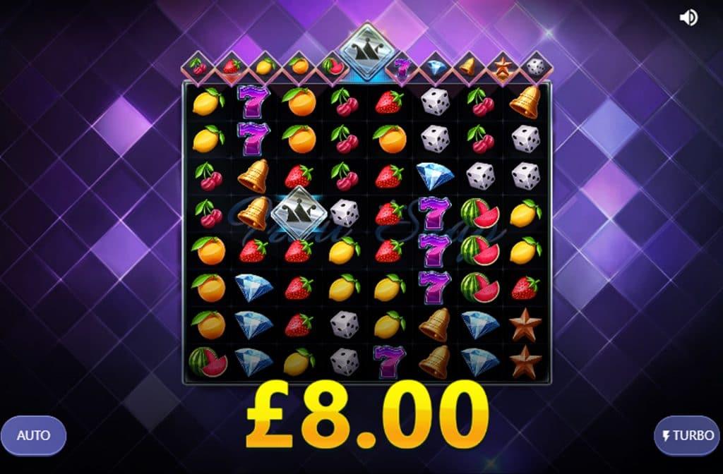 Als je het Bonus Crown symbool volledig goud vult, dan ontvang je 10 free spins