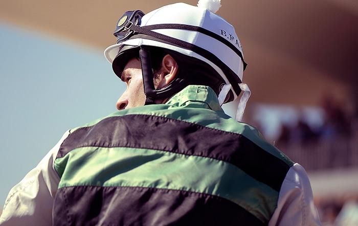 Jockey bij paardenrace