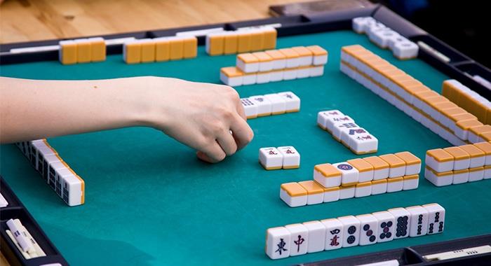 Mahjong ziet er ingewikkeld uit